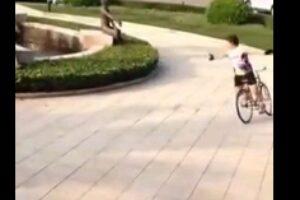 佛雷斯集團自行車形象代言人周長春先生:即興的自行車特技表演!